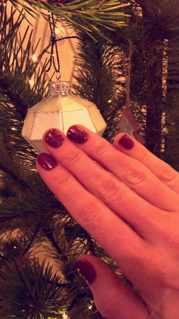 festiuve-nails-by-beaty-at-annes