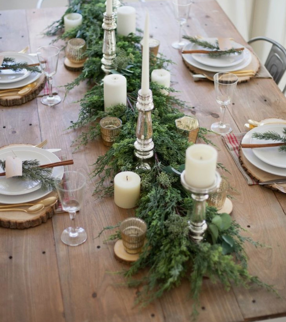 festive-table-setting