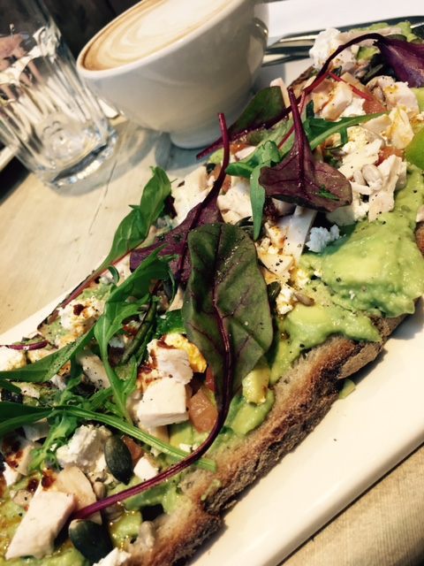 le-pain-quotidien-advacado-and-feta-kildare-village-elainesrovesntroves