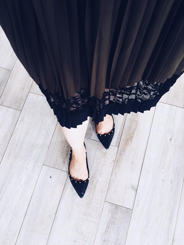 shoes flat black.jpg